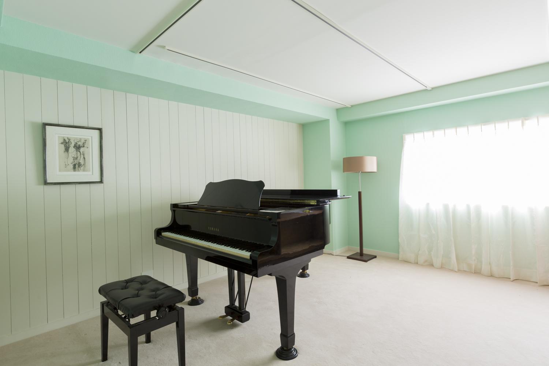 PIANO SALON SEIJO