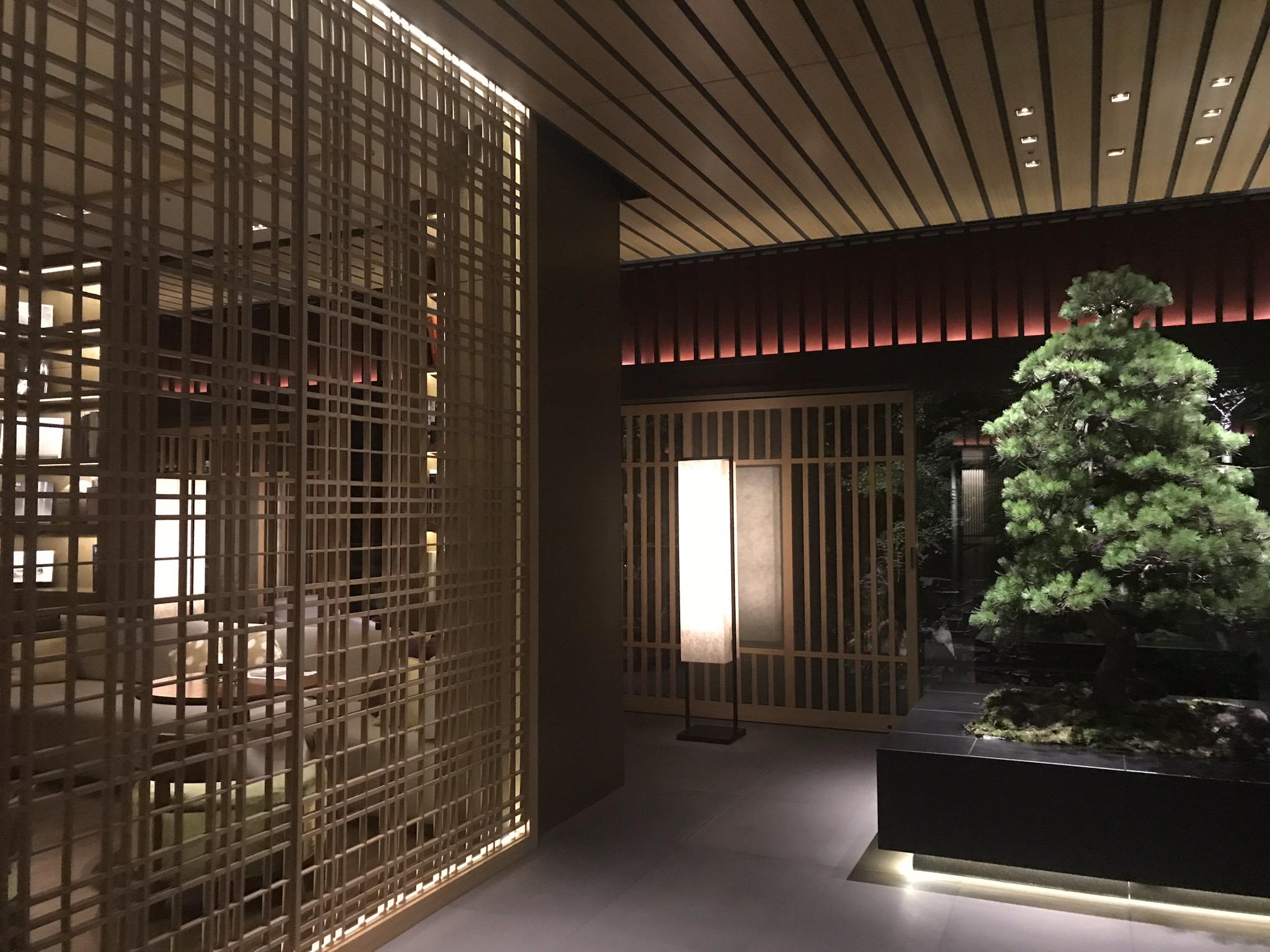京都リッツカールトンの夕暮れ。